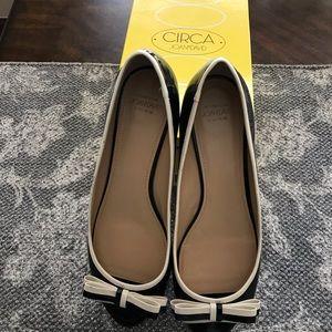 Black & Cream Dress Shoe. Sz 9.5